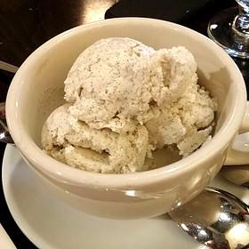 Vanilla Ice Cream - Cupping Room Cafe, New York, NY