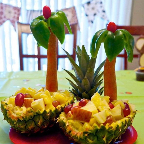 """Pineapple Fruit Baskets With """"Palm Trees"""" (Carrot, Green Bell Pepper & Cherry Tomato) @ The Mistress Of Spices (Chez Moi)"""