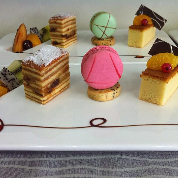 Longan Cake @ Parkyard Hotel Shanghai