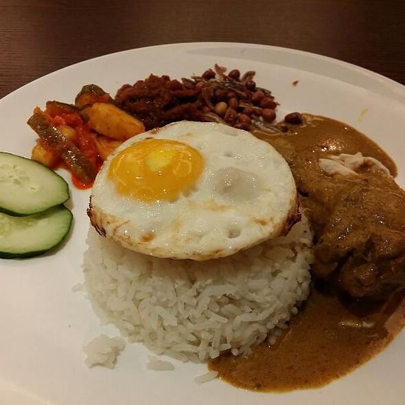 Malaysian Nasi Lemak @ Papparich (Suntec)
