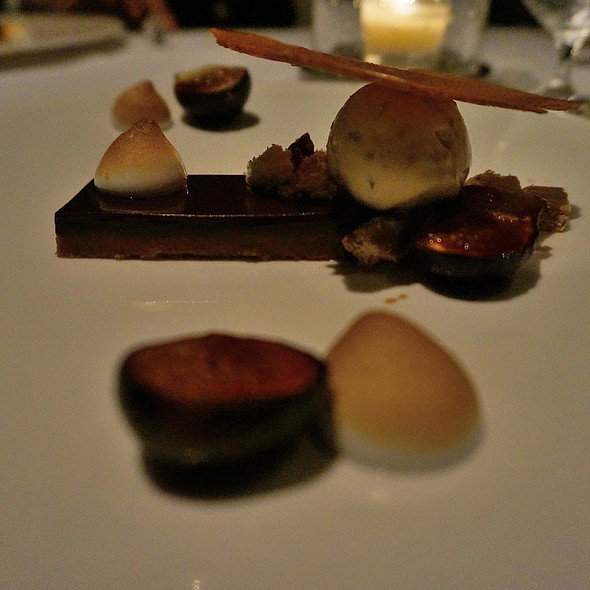 Figs, Chocolate, Maple pecan, XO Noble vinegar, and crêpe dentelle @ Canlis