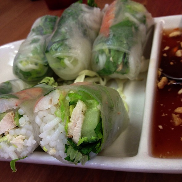 Fresh Spring Rolls With Shrimp And Chicken @ Sabaidee Thai Cuisine