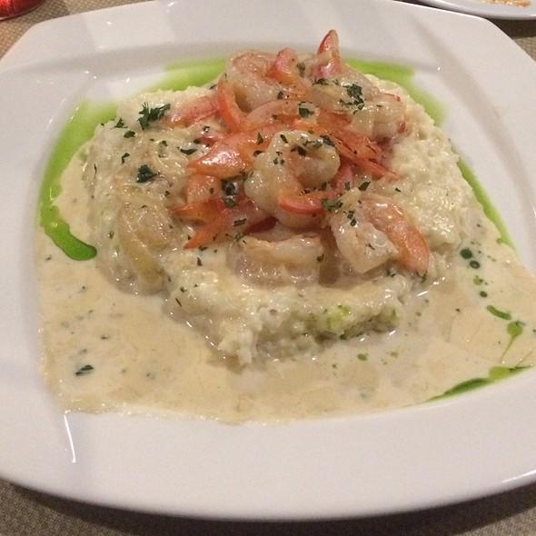 Shrimp & Grits @ Anchors