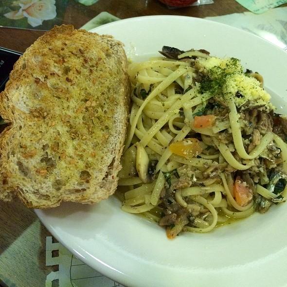 Spanish Sardines And Olive Oil Pasta
