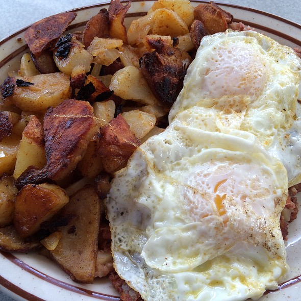 Corned Beef Hash @ Concord Family Diner