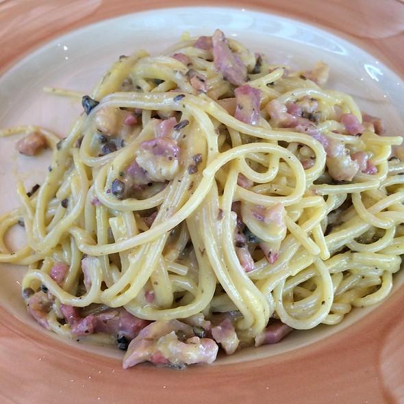 Spaghetti Carbonara @ Trattoria ZàZà