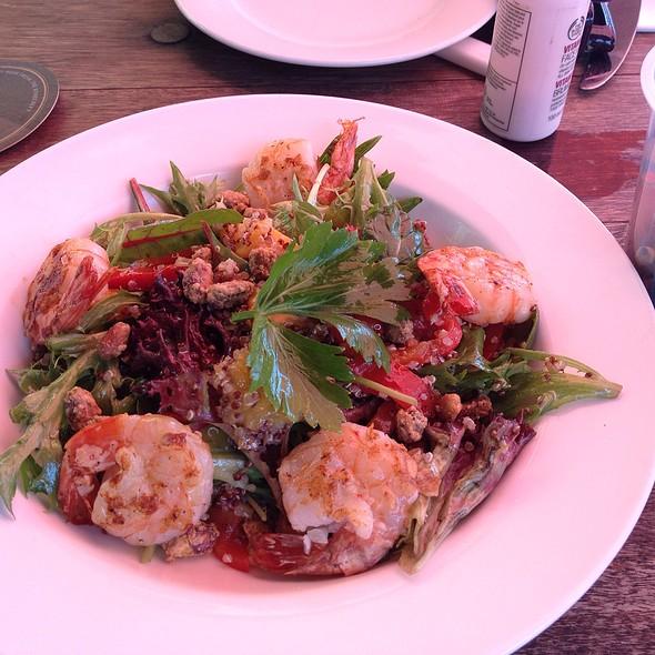 King Prawn, Mango, Roasted Pistaccios And Quinoa Salad
