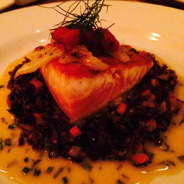 Aria tuscan grill scottish salmon alla plancha for Aria grill cuisine