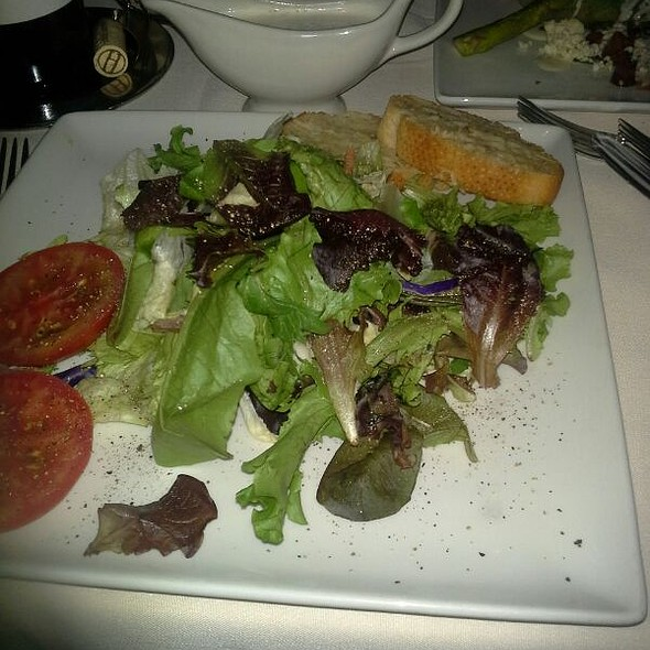 Friday's House Salad - Friday's Station Steak & Seafood Grill - Harrah's Lake Tahoe, Stateline, NV
