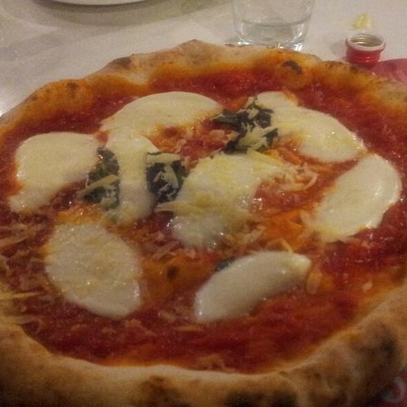 Margherita D.O.P. Pizza @ Rossopomodoro
