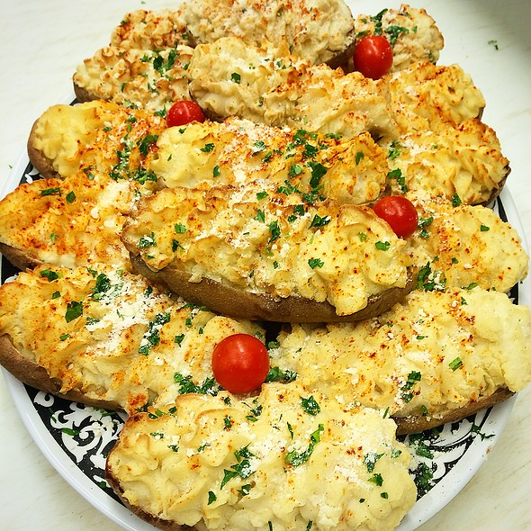 Twice Baked Potatoes @ Annie's Vintage Gourmet Market