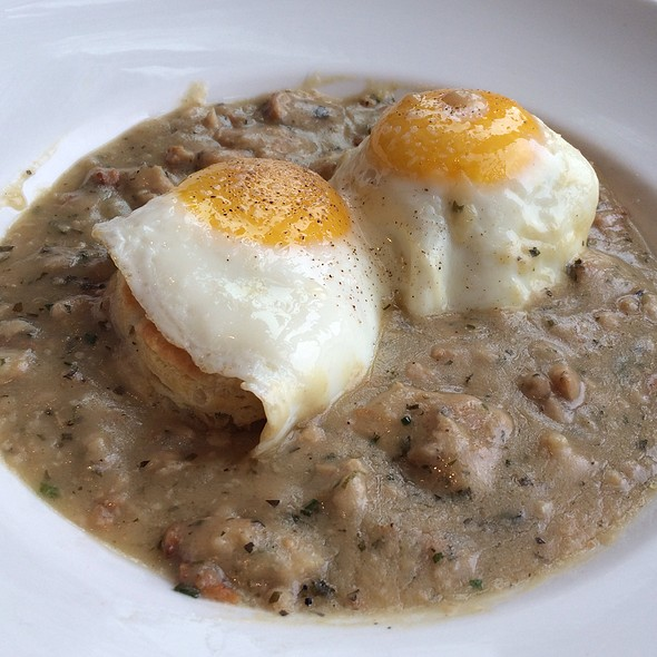 Biscuits & Gravy With Chicken Sausage