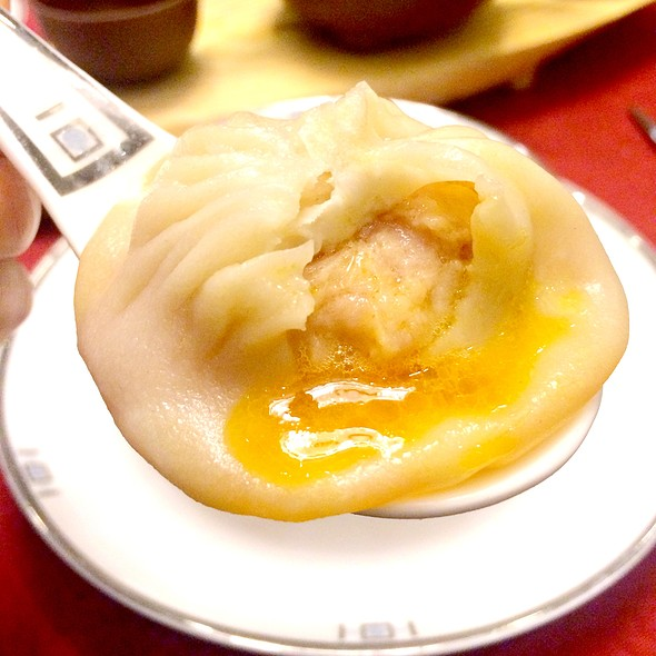 蟹粉小籠包,Crab Meat Xiao Long Bao @ 樂軒華 Le Chinois Restaurant