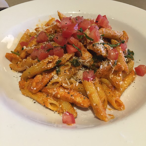 chicken tomato alfredo @ Nordstrom Cafe