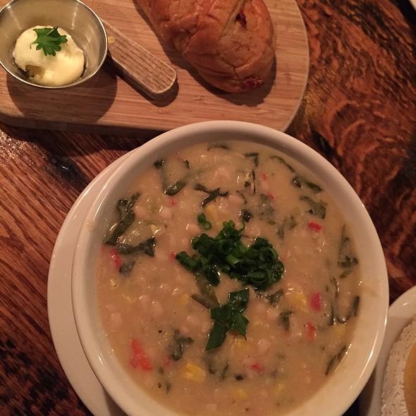 White Bean Fiesta Soup @ The Yellow Deli