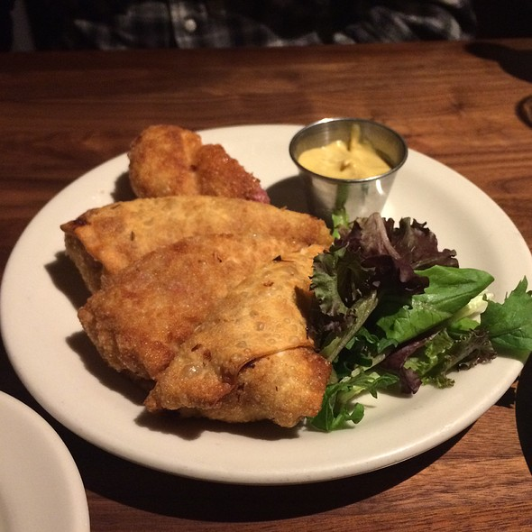 Corned Beef And Cabbage Egg Rolls @ Stones Public House