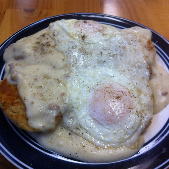 Biscuits & Gravy @ The Breakfast Place