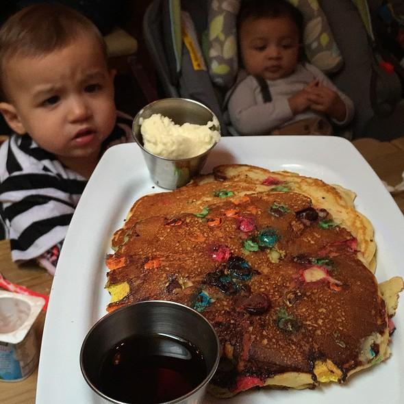 M&M Pancakes