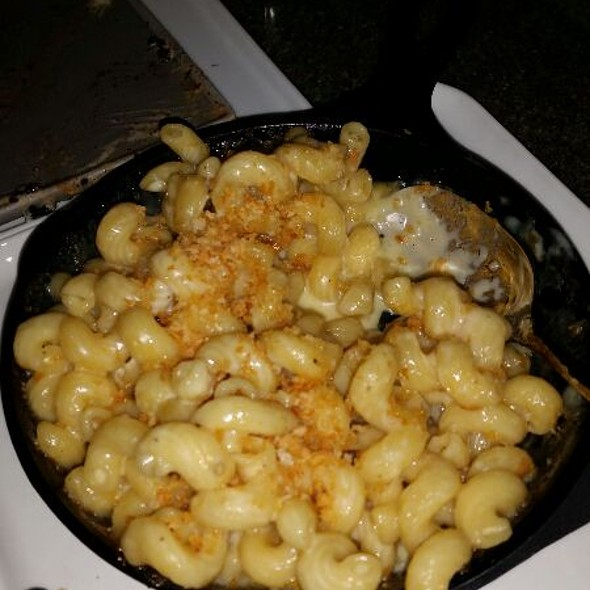 Mac & Cheese @ Glass Wine Bar And Bistro @ Ledges Hotel Hawley Pa