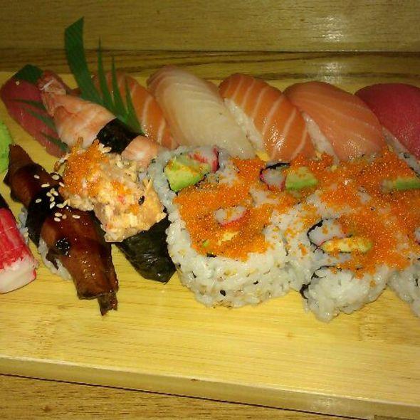 sushi garden menu arlington virginia 22202 foodspotting. Black Bedroom Furniture Sets. Home Design Ideas