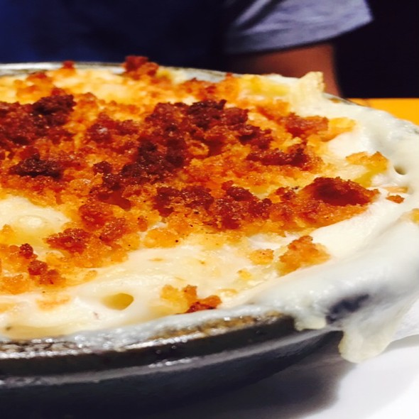 Deep Dish Mac And Cheese