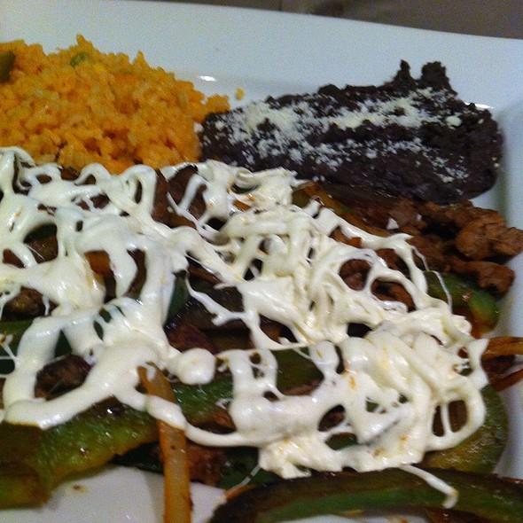 Fajitas De Res @ Los Sabores De Mexico