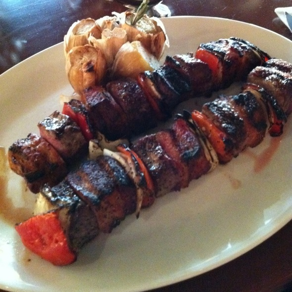 Brochetas De Filete @ Harry's La Isla