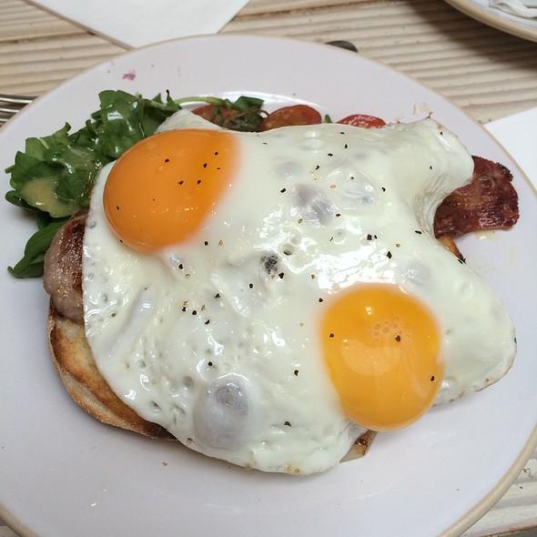 Bacon and eggs @ Gail's Artisan Bakery