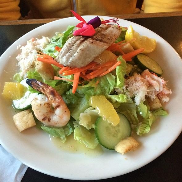 Island Seafood Salad