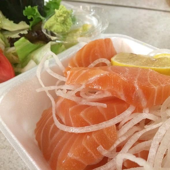 Salmon Sashimi @ Truya Sushi
