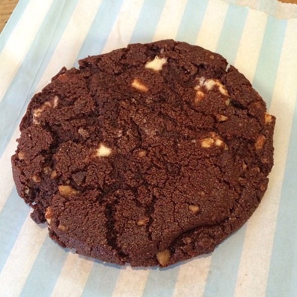 Chocolate Duet Cookie @ Schmackary's
