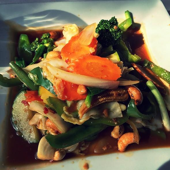 Cashew Nut Mixed @ Surin of Thailand Tuscaloosa