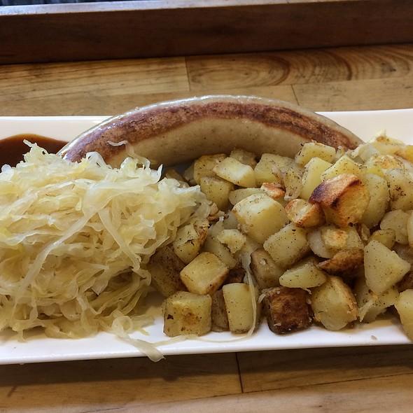 Bratwurst With Potatoes And Sauerkraut @ Kurz & Lang