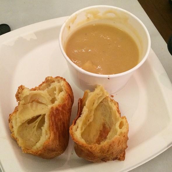 Parsnip Cauliflower Soup @ Dominique Ansel Bakery