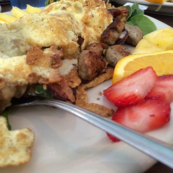 Meat Lovers Omlette  @ Fish & Skip's