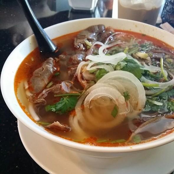 Bun Bo Hue @ Nha Trang Restaurant