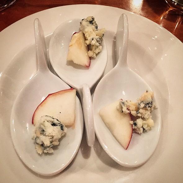 Blue Cheese & Apple - Guild Tavern, South Burlington, VT