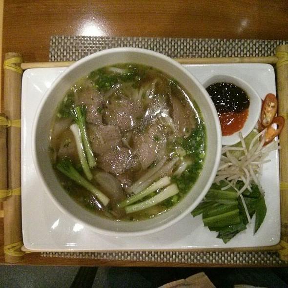 Phở Bò (Beef Pho) @ Khách Sạn Renaissance Riverside Sài Gòn