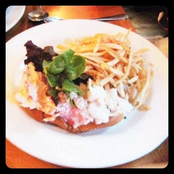 Lobster Roll (Sandwich) @ Pearl Oyster Bar