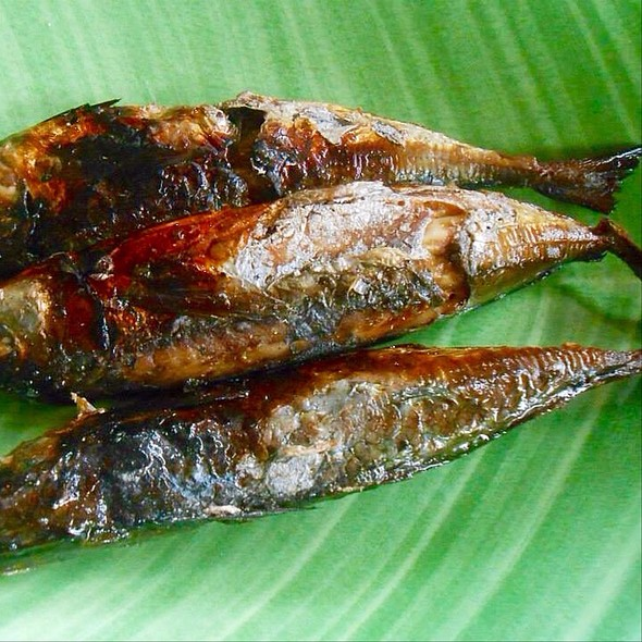 Tinapang Galunggong (Dried Fish) @ Maridon's Eatery