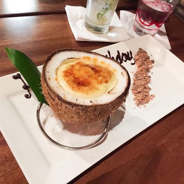 Coconut Creme Brulee @ Japengo - Hyatt Regency Waikiki