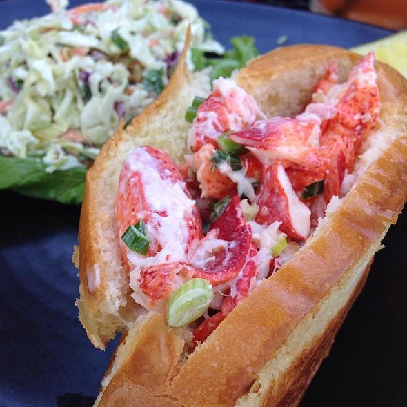 lobster roll @ Fish Market Restaurant
