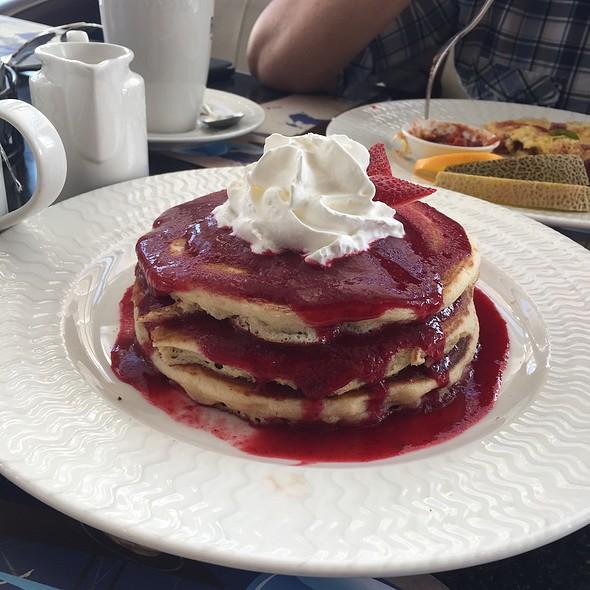 Raspberry Pancake @ Roger's