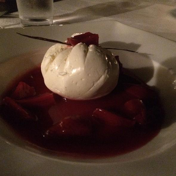 Bourbon Strawberry Cheesecake @ Al Maha Desert Resort And Spa