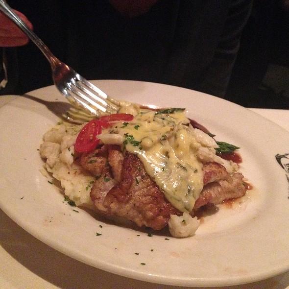 Snapper Filet Special - Mansurs On the Boulevard, Baton Rouge, LA