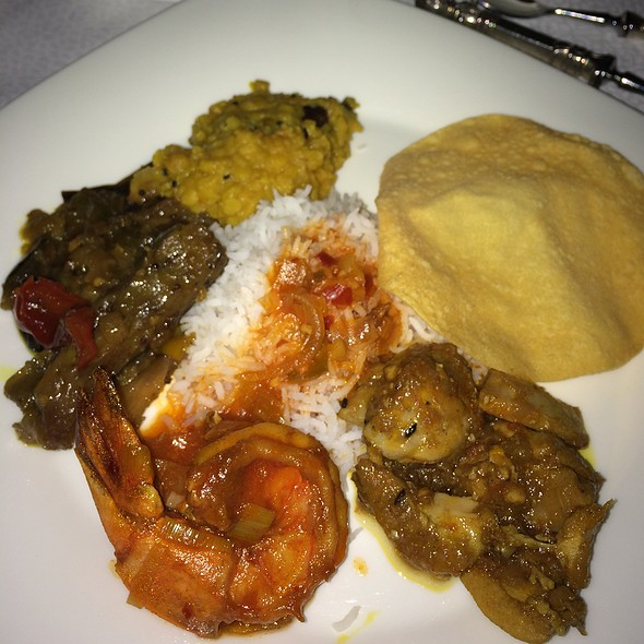 Sri Lankan Dinner @ Al Maha Desert Resort And Spa