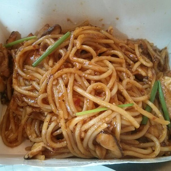 Charlie Chan Spaghetti @ Yellow Cap Pizza