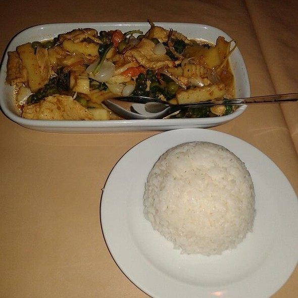 Stir fried chicken with coconut sprount in country style curry @ Khunkung kitchen