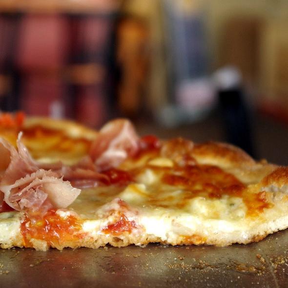 Carlucci Pizza @ Tortora's