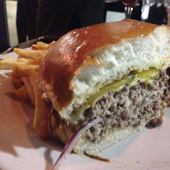 Burger @ Holeman & Finch Public House
